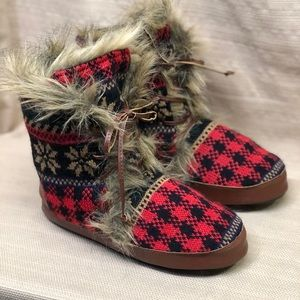 Muk Luks Faux Fur Sweater Slipper Lace Up Boots EU